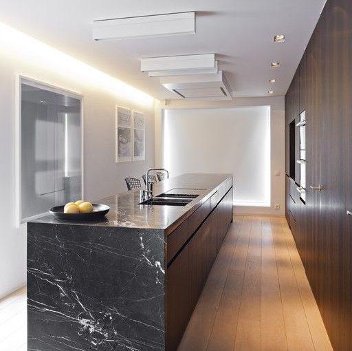 Bum a díra je na světě… Víte, jak opravit kuchyňskou pracovní desku?