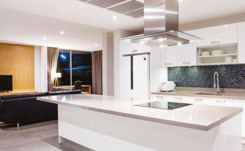 Sníte o kuchyni s ostrůvkem? Zjistěte, zda je to opravdu výhra…
